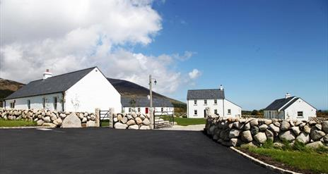 Kribben Cottages - Seefin Cottage